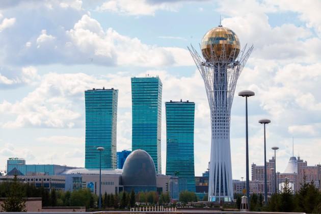 Нурсултану Назарбаеву доложили оразвитии Астаны