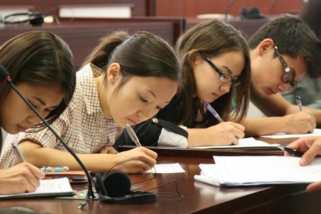 Президент призвал сократить количество университетов вКазахстане