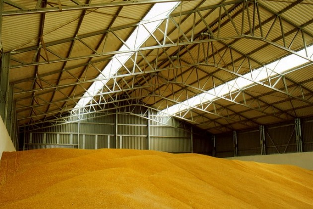 Казахстан отправит в Кыргызстан 200 тыс. тонн зерна