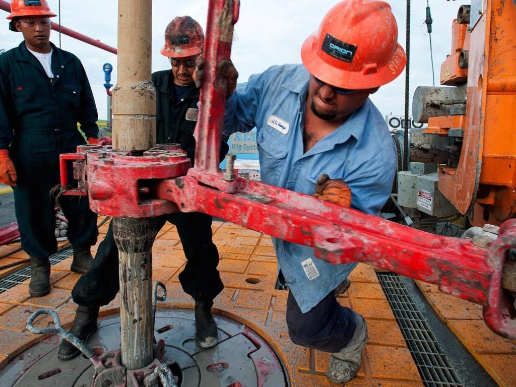 МЭА повысило прогноз попоставкам нефти странами вне ОПЕК на 2018-й