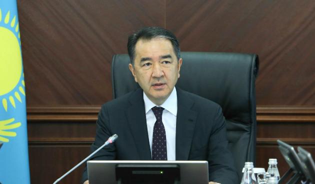 Бакытжан Сагинтаев поручил взять под контроль модернизацию ЖКХ