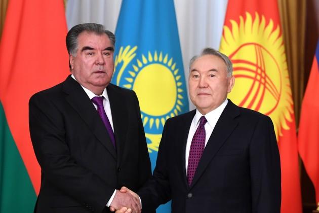 Нурсултан Назарбаев встретился с главами соседних государств