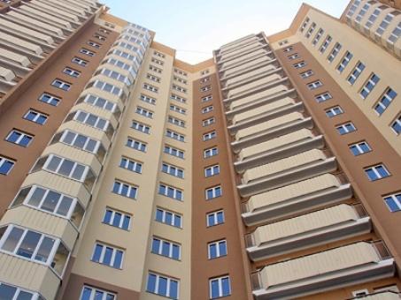 Треть продаваемого жилья в Алматы – трехкомнатные квартиры