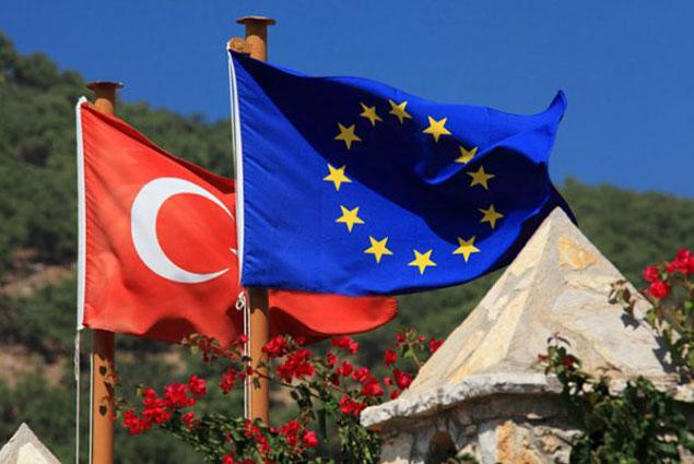 Еврокомиссия 4 мая может одобрить безвизовый режим между ЕС и Турцией