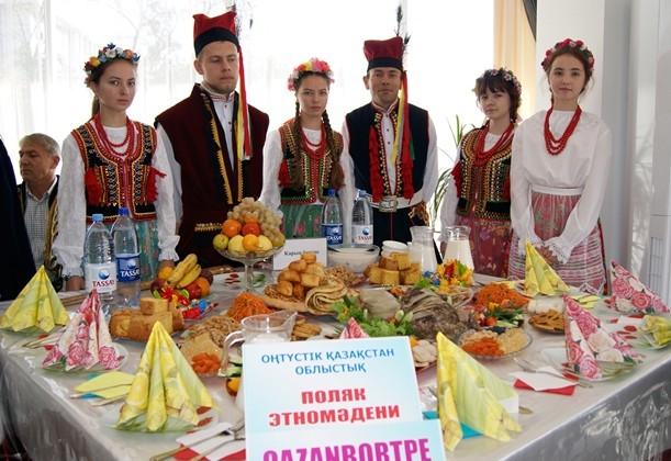 ВЮжно-Казахстанской области прошел фестиваль «Қазақ дастарханы»
