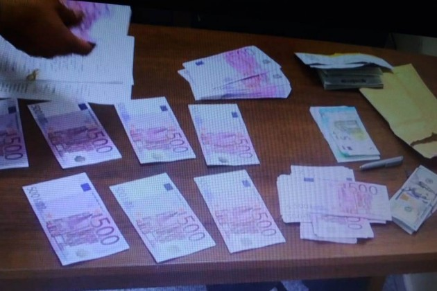 Таможенники Алматы выявили 21факт незаконной перевозки валюты