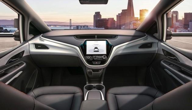 GMпланирует выпускать электромобили без управления