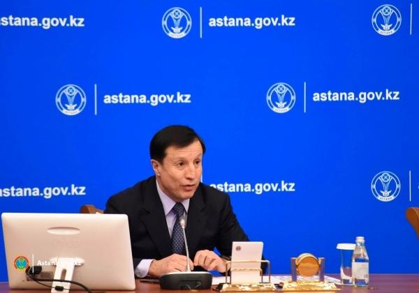 Нурсултан Назарбаев отчитал акима Астаны за проблему с озером Талдыколь