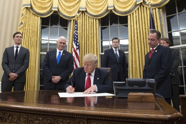 Дональд Трамп сформировал свой кабинет министров из24человек