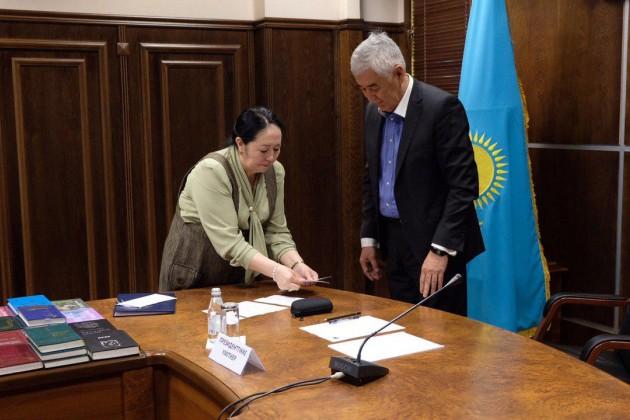 Амиржан Косанов сдал экзамен на знание госязыка
