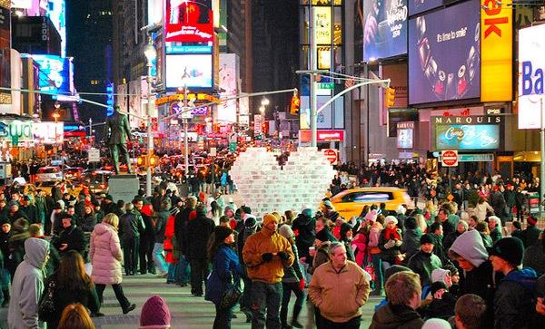 На подарки к 14 февраля американцы потратят $18,6 млрд.