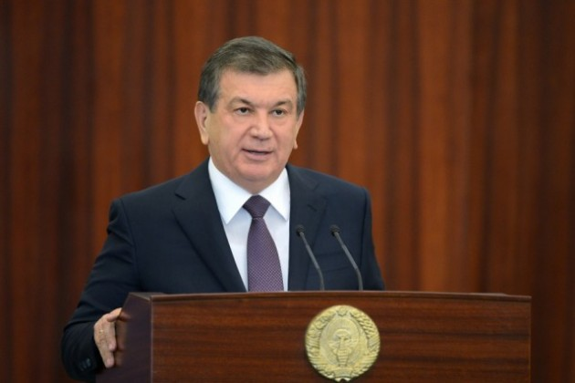 Мирзиёев отменил норму продажи валюты для некоторых экспортных компаний