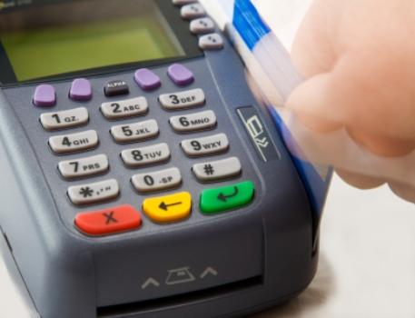 В месяц безналичный платеж казахстанца не превышает 3 тыс.