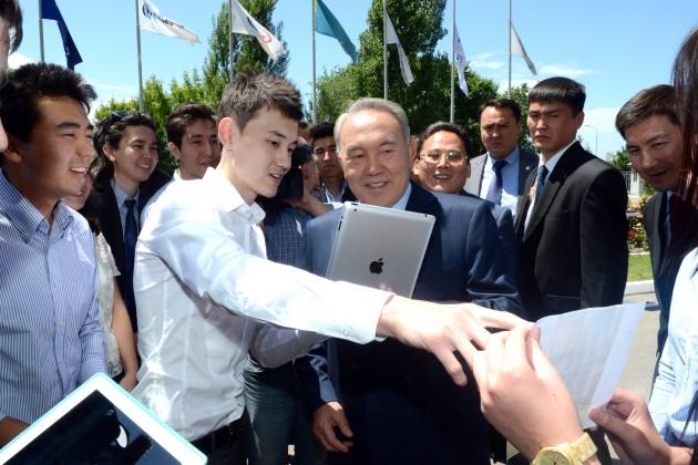 Фонд образования Нурсултана Назарбаева отмечает двадцатилетие