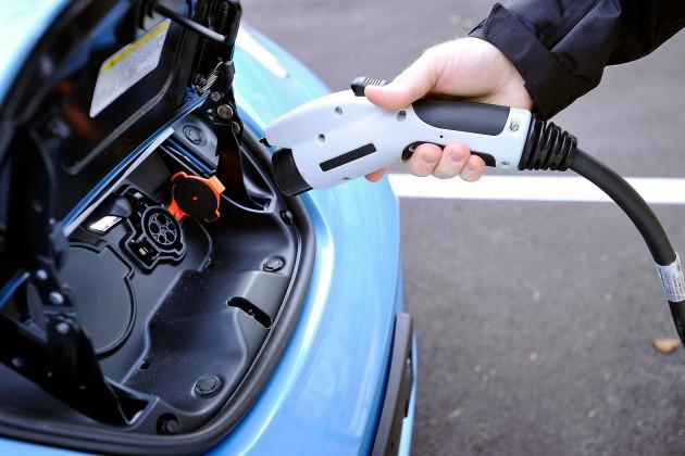 ЕЭК обнуляет пошлины на легковые электромобили