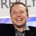 Как Илон Маск продолжает привлекать внимание к Tesla