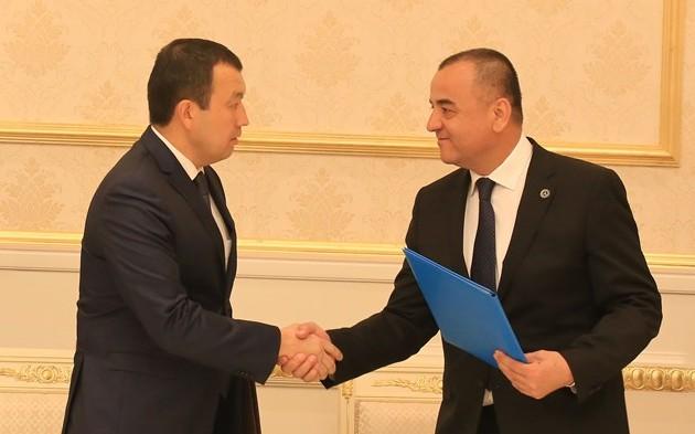 Узбекские железные дороги будут закупать казахстанскую продукцию