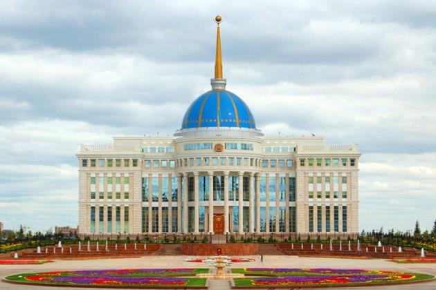 Ерболат Досаев доложил Президенту о ситуации на валютном рынке