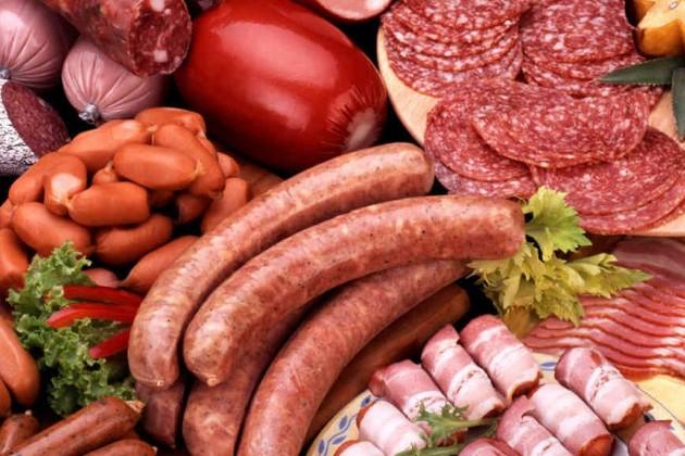 Измагазинов изымают некачественные мясные продукты