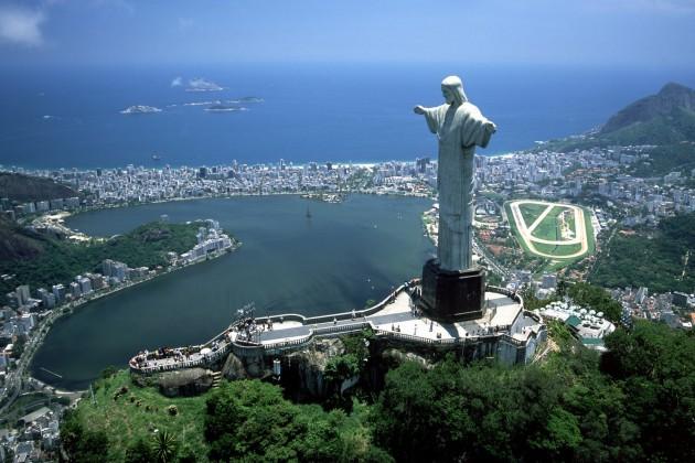 Власти Бразилии намерены приватизировать 16 госкомпаний