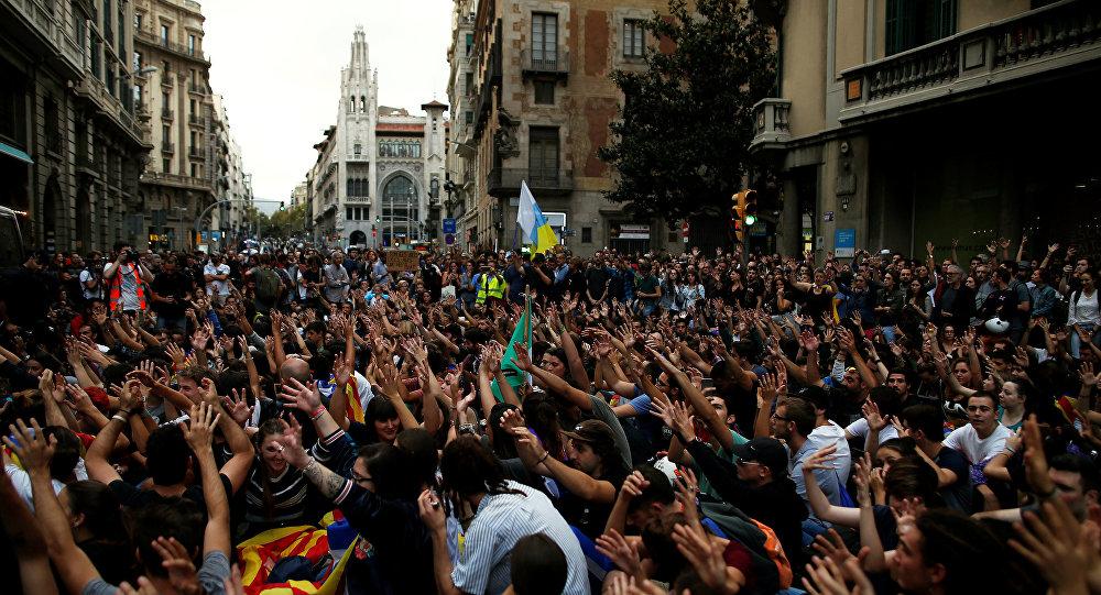 ВКаталонии лидеры социальных компаний созывают всеобщую забастовку