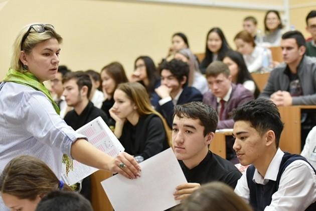 В Казахстане стартовало платное ЕНТ