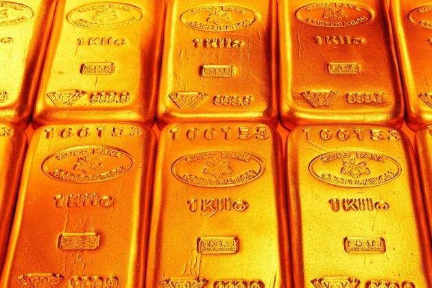 Золото сохраняет положительную динамику