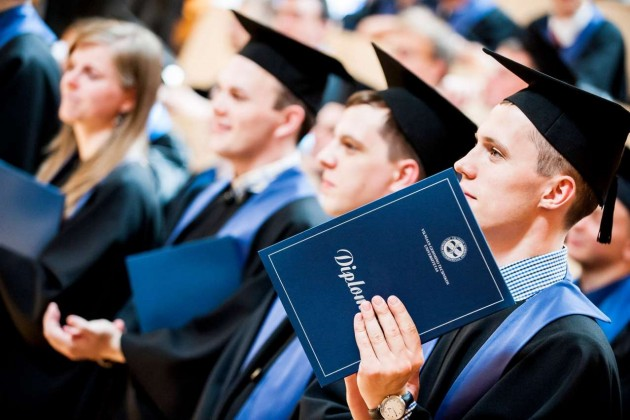 Почему казахстанские студенты уезжают учиться за рубеж