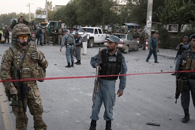 ВАфганистане при взрыве смертника вмечети погибли 26военнослужащих