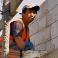 Трудовые мигранты будут платить налог в РК