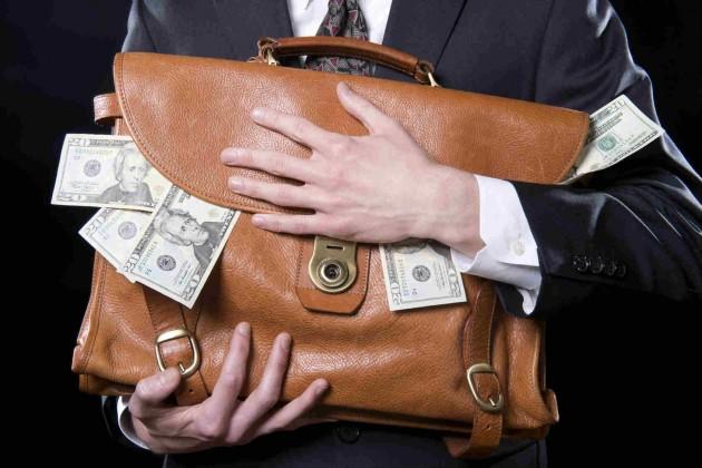 Банки могут обязать продать свои «плохие» займы