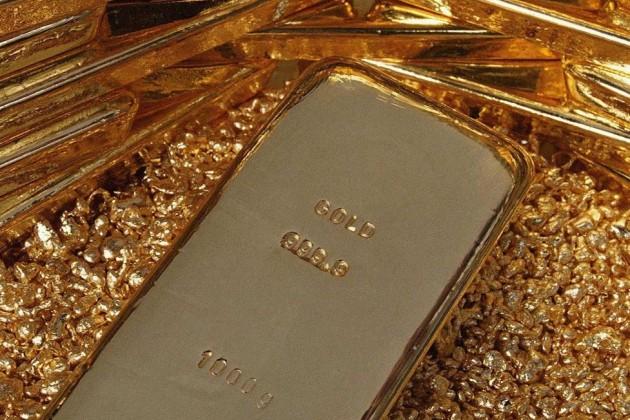 Золото опять дешевеет на фоне укрепления доллара