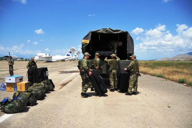 Казахстанских военных отправили в Таджикистан
