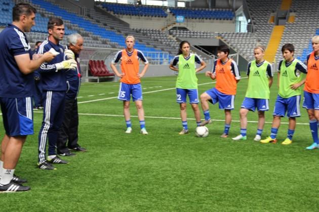 Казахстанские футболистки разгромили Болгарию