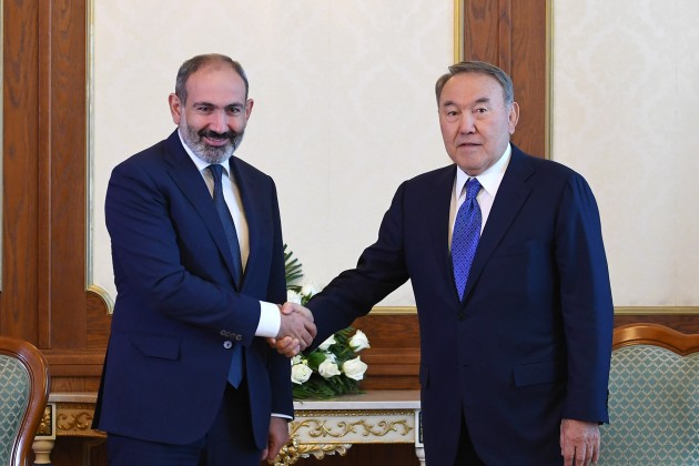 Нурсултан Назарбаев провел встречу сНиколом Пашиняном