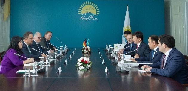 Бауыржан Байбек встретился с заместителем председателя Бундестага
