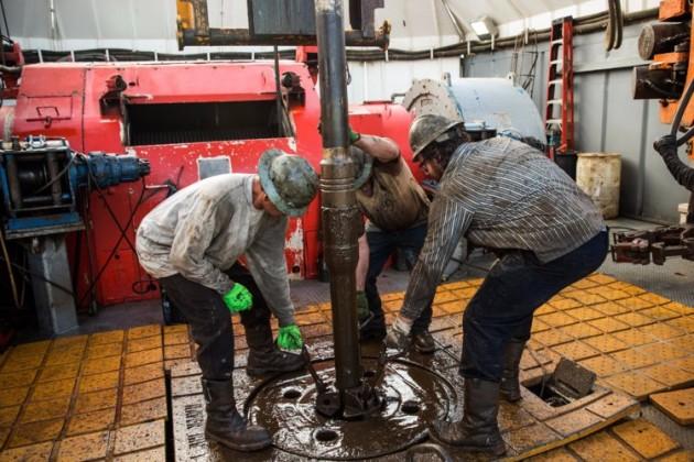 Санкции кИрану иураган вСША толкают цены нанефть вверх