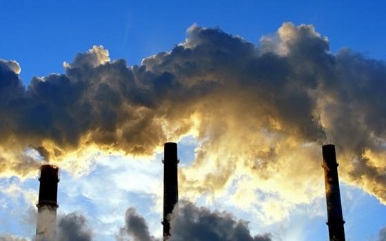 С 2013 года вырастет налог на выбросы