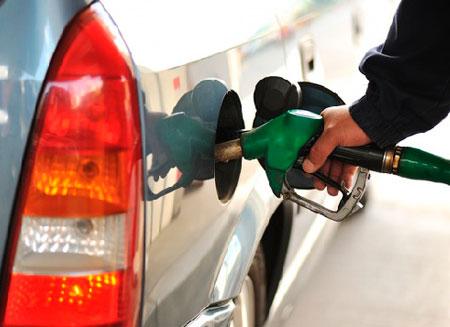 Манипуляции с ценами на нефть ударят по потребителям