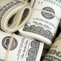 Доллар укрепляется кмировым валютам