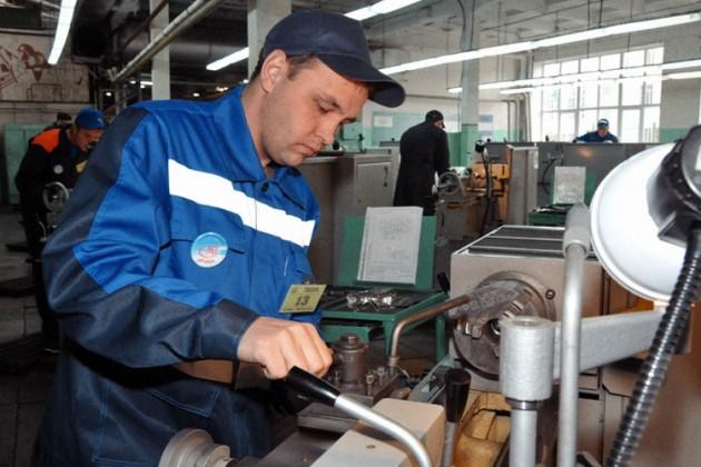 Нагрузка на работающих казахстанцев вырастет на 50%