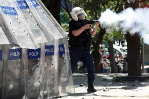 Демонстрантов в Анкаре разогнали газом