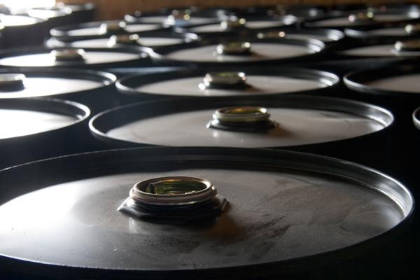 Нефть дешевеет на фоне заявления министра энергетики Саудовской Аравии