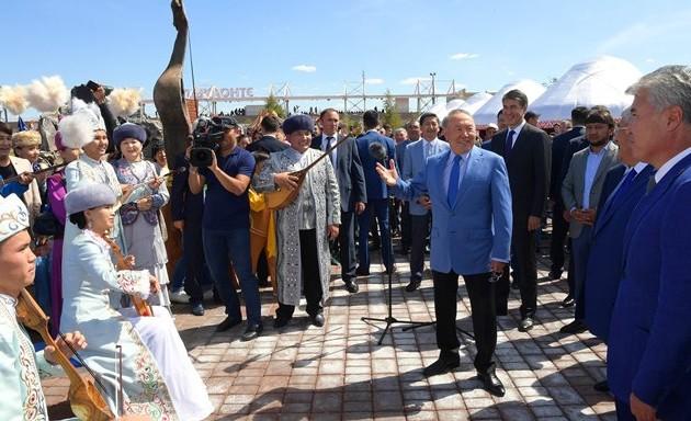 Нурсултан Назарбаев посетил международный турнир пожамбы ату