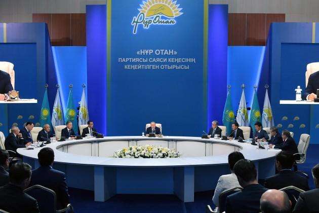 Нурсултан Назарбаев неисключил снижения ставки по«7−20−25»