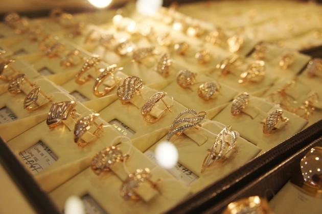 Золотые украшения подорожали загод на10%