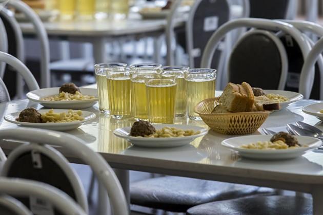 Более тысячи пищеблоков остаются вне проверки вКазахстане