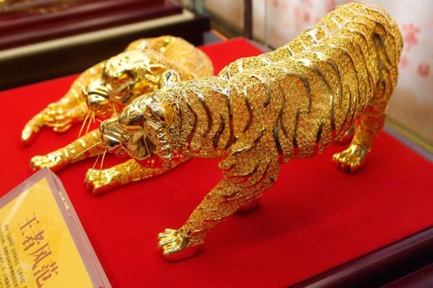 Китай стал крупнейшим потребителем золота в мире