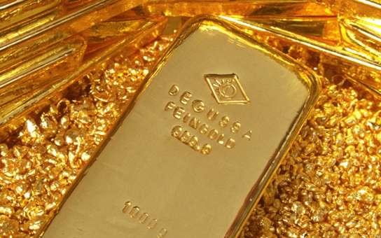 Валюта обесценится, а золото вырастет в цене