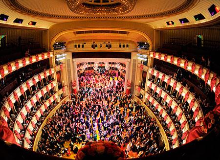 Венская опера начнет трансляции спектаклей через интернет